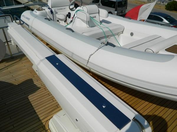 2011 FERRETTI 830 Mega Yacht 1095032