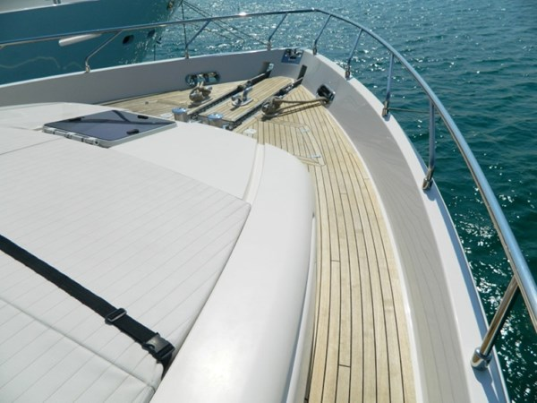 2011 FERRETTI 830 Mega Yacht 1095036