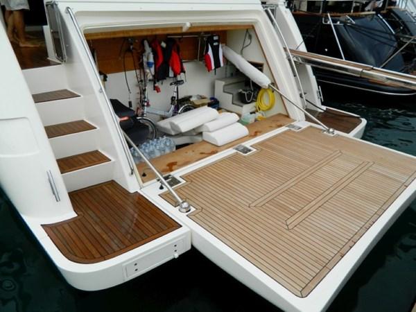 2011 FERRETTI 830 Mega Yacht 1095039