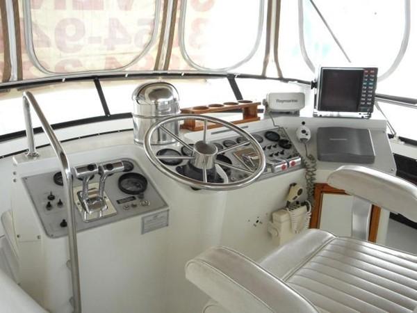 1988 CARVER 4207 Aft Cabin Motor Yacht Motor Yacht 1144375