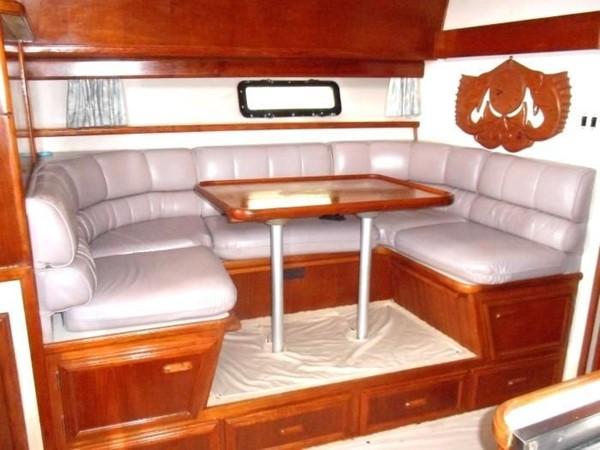 1988 CARVER 4207 Aft Cabin Motor Yacht Motor Yacht 1144378