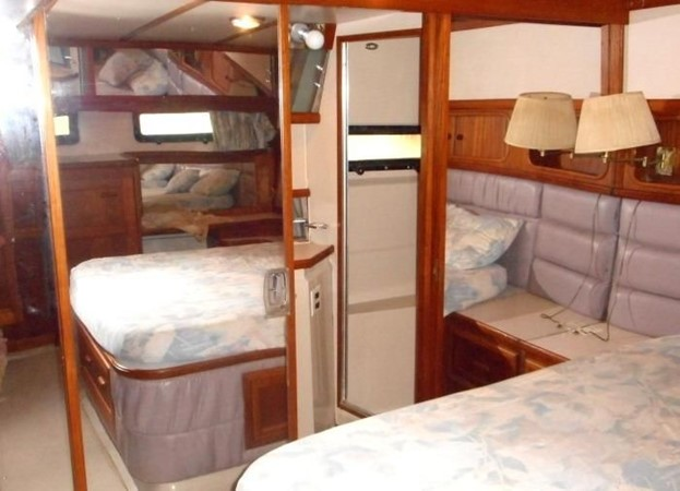 1988 CARVER 4207 Aft Cabin Motor Yacht Motor Yacht 1144384