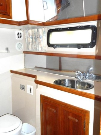 1988 CARVER 4207 Aft Cabin Motor Yacht Motor Yacht 1144385