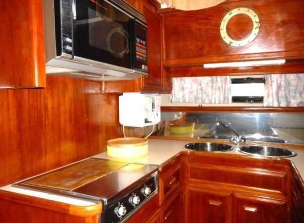 1988 CARVER 4207 Aft Cabin Motor Yacht Motor Yacht 1144394