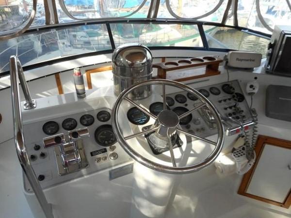 1988 CARVER 4207 Aft Cabin Motor Yacht Motor Yacht 1144395