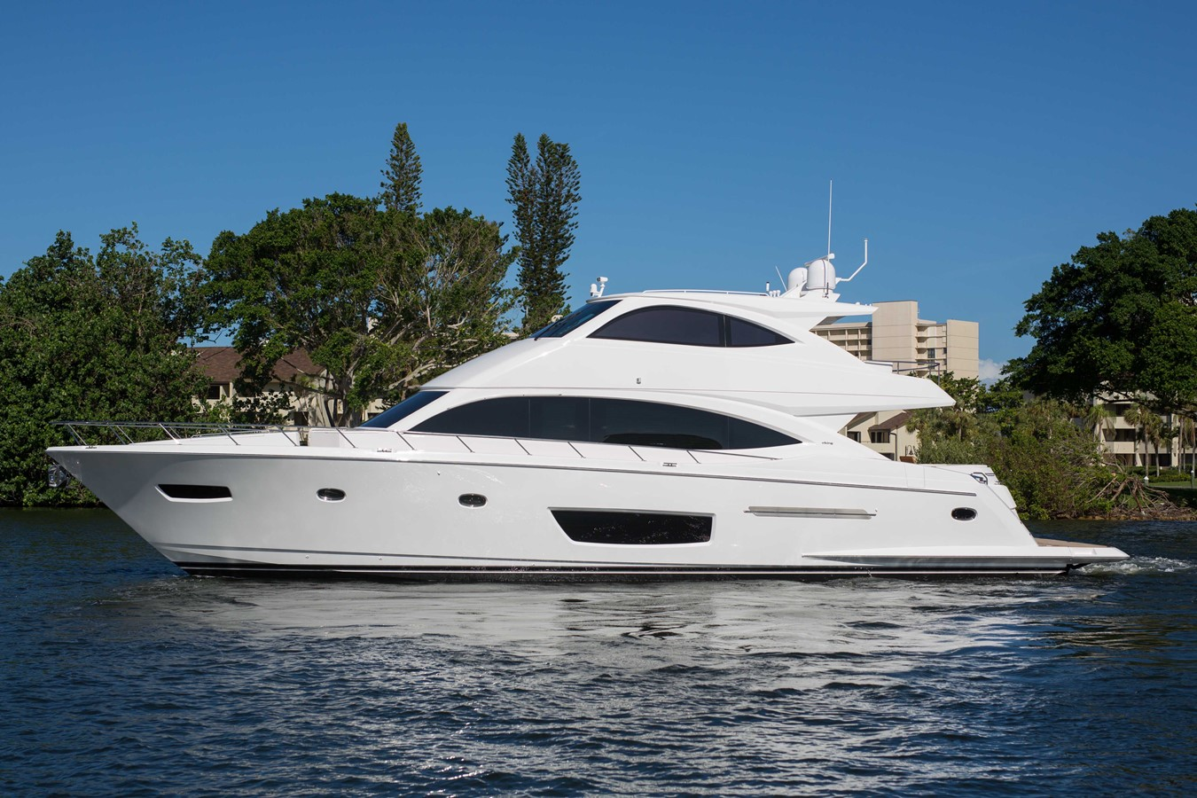 2018 VIKING Motor Yacht Enclosed Bridge 2093784