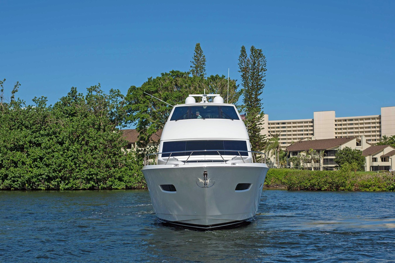 2018 VIKING Motor Yacht Enclosed Bridge 2093785
