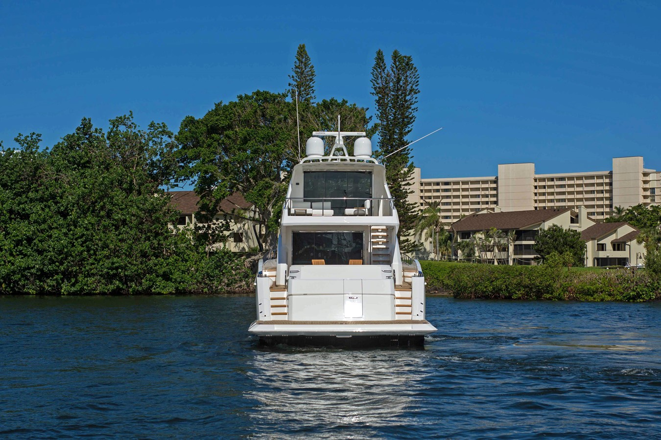 2018 VIKING Motor Yacht Enclosed Bridge 2093786