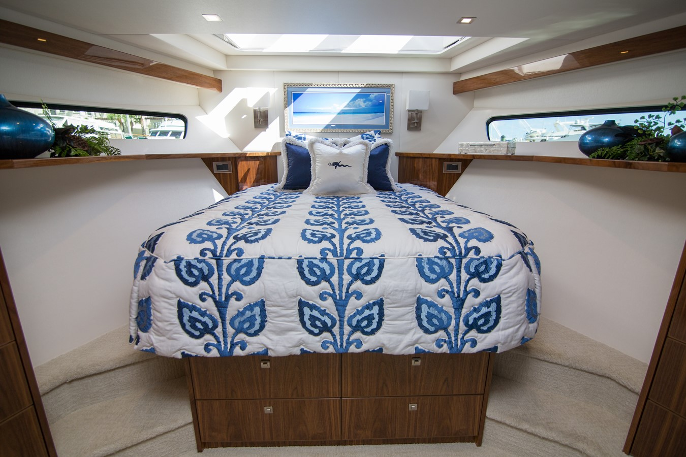 2018 VIKING Motor Yacht Enclosed Bridge 2093804