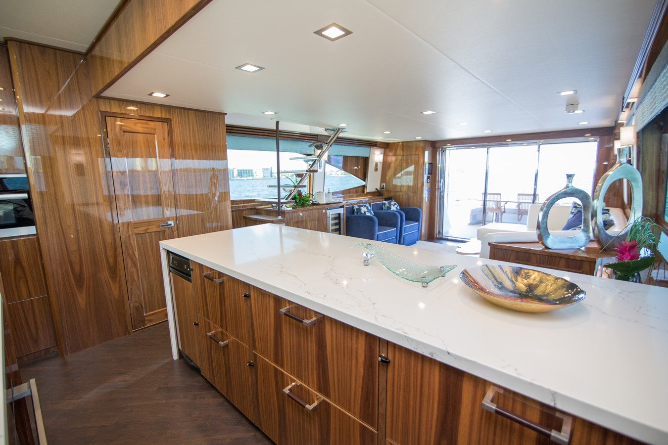 2018 VIKING Motor Yacht Enclosed Bridge 2093809