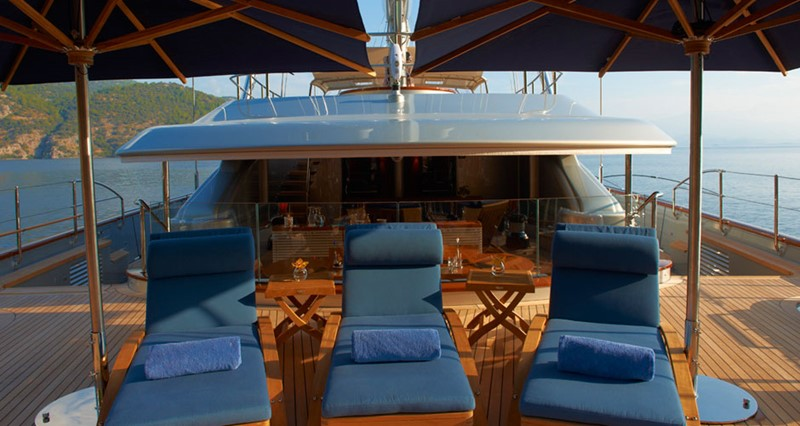 Aft deck  2010 PERINI NAVI  Cruising Ketch 1268717