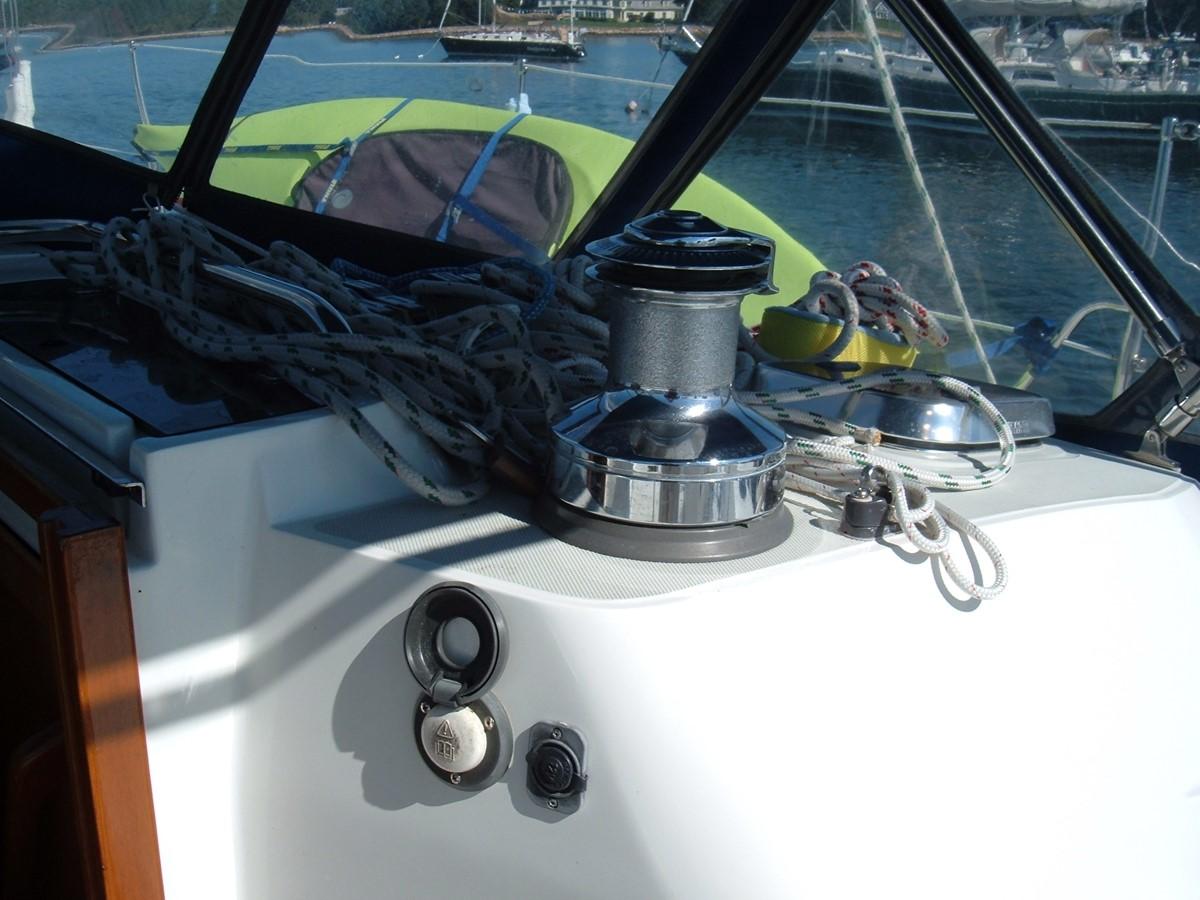 1999 SABRE YACHTS Sabre 452 Cruising Sailboat 1331947
