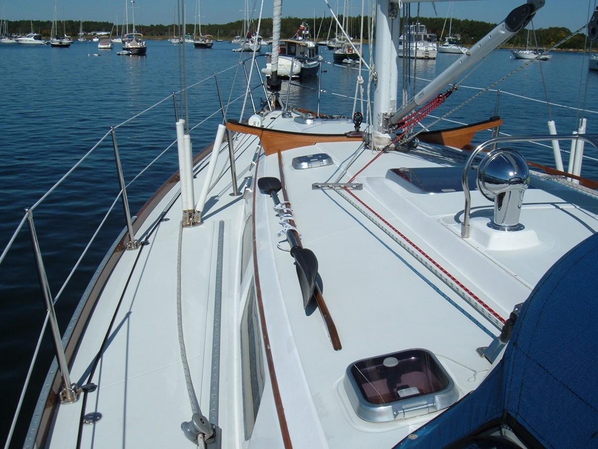 1999 SABRE YACHTS Sabre 452 Cruising Sailboat 1331950