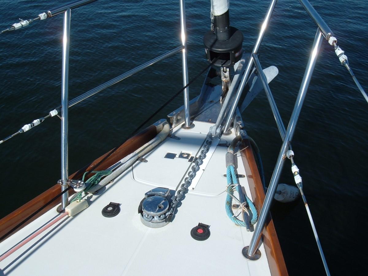1999 SABRE YACHTS Sabre 452 Cruising Sailboat 1331951