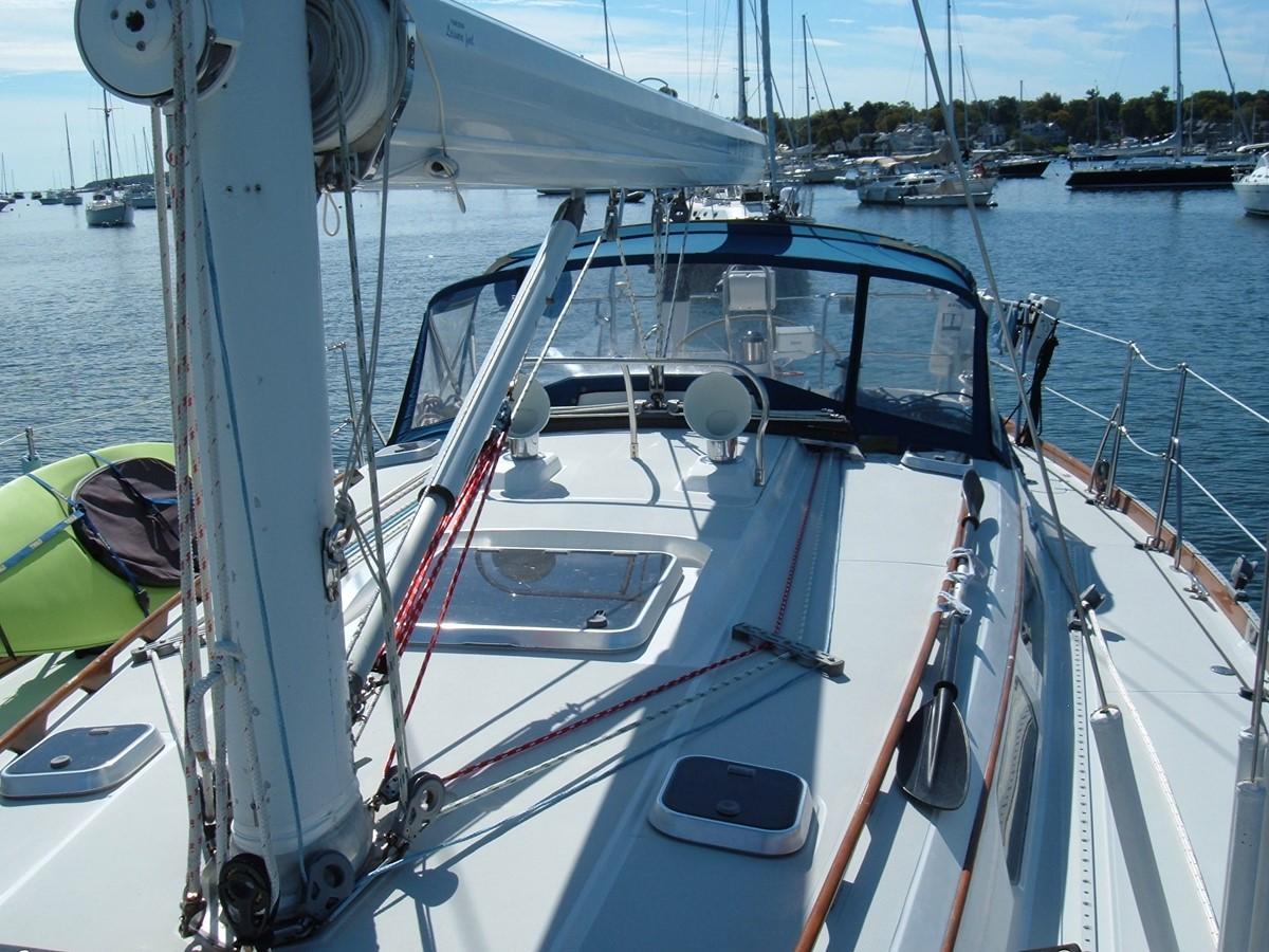 1999 SABRE YACHTS Sabre 452 Cruising Sailboat 1331952