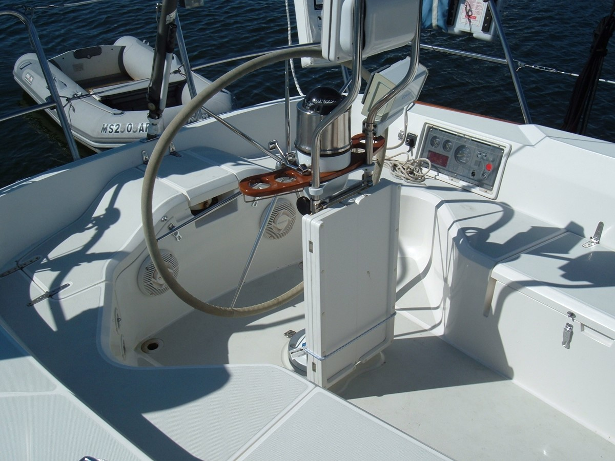 1999 SABRE YACHTS Sabre 452 Cruising Sailboat 1331955