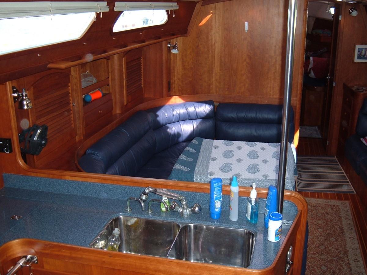 1999 SABRE YACHTS Sabre 452 Cruising Sailboat 1331956