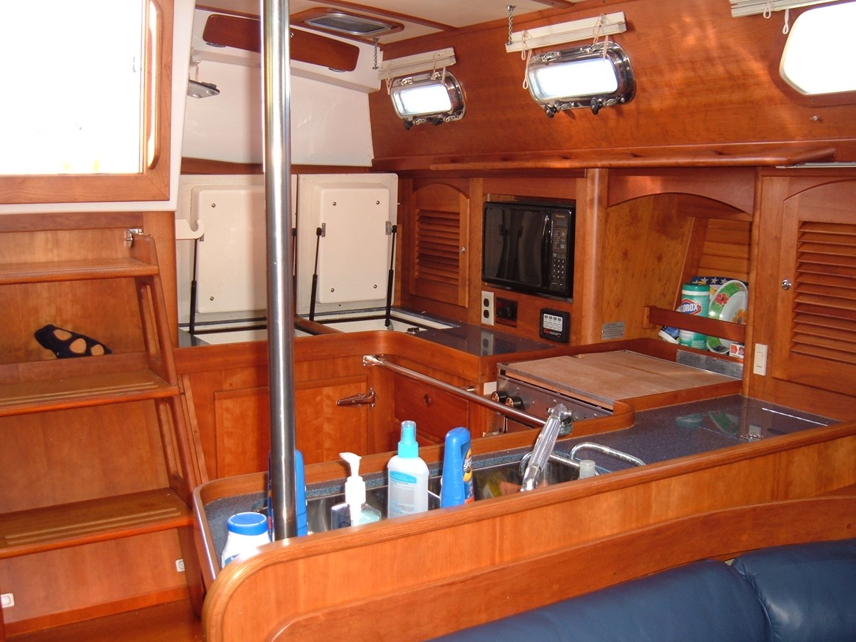 1999 SABRE YACHTS Sabre 452 Cruising Sailboat 1331959