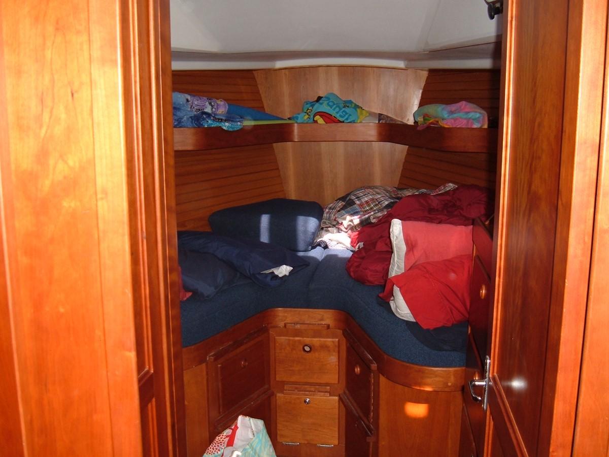 1999 SABRE YACHTS Sabre 452 Cruising Sailboat 1331962