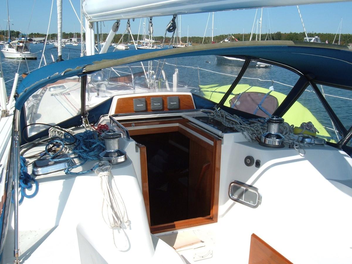 1999 SABRE YACHTS Sabre 452 Cruising Sailboat 1331974