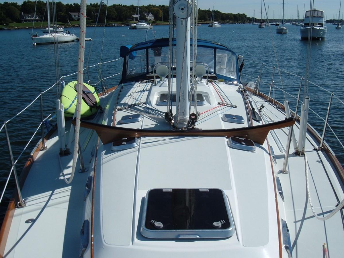 1999 SABRE YACHTS Sabre 452 Cruising Sailboat 1331975