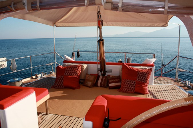 Aft Deck With Observation Bench And Lounging 1999 VITTERS  Sloop 1342110