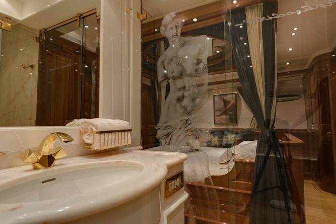 Master Bath 1999 VITTERS  Sloop 1440572