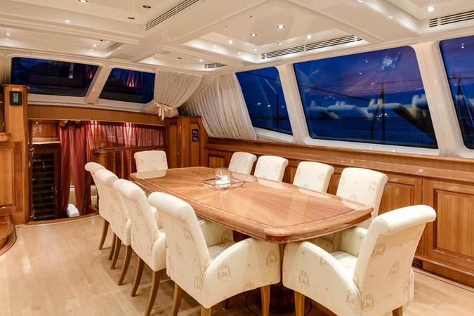Deck Saloon Dining 1999 VITTERS  Sloop 1440575