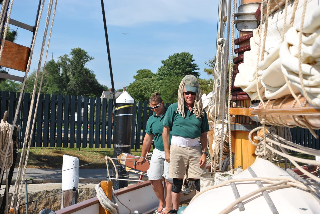 Professional Crew 1991 COVEY ISLAND BOAT WORKS  Cruising Sailboat 1522880