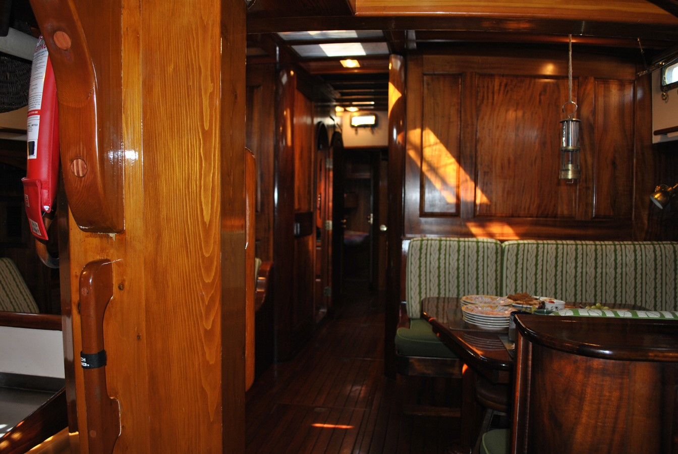 View Forward 1991 COVEY ISLAND BOAT WORKS  Cruising Sailboat 1522881