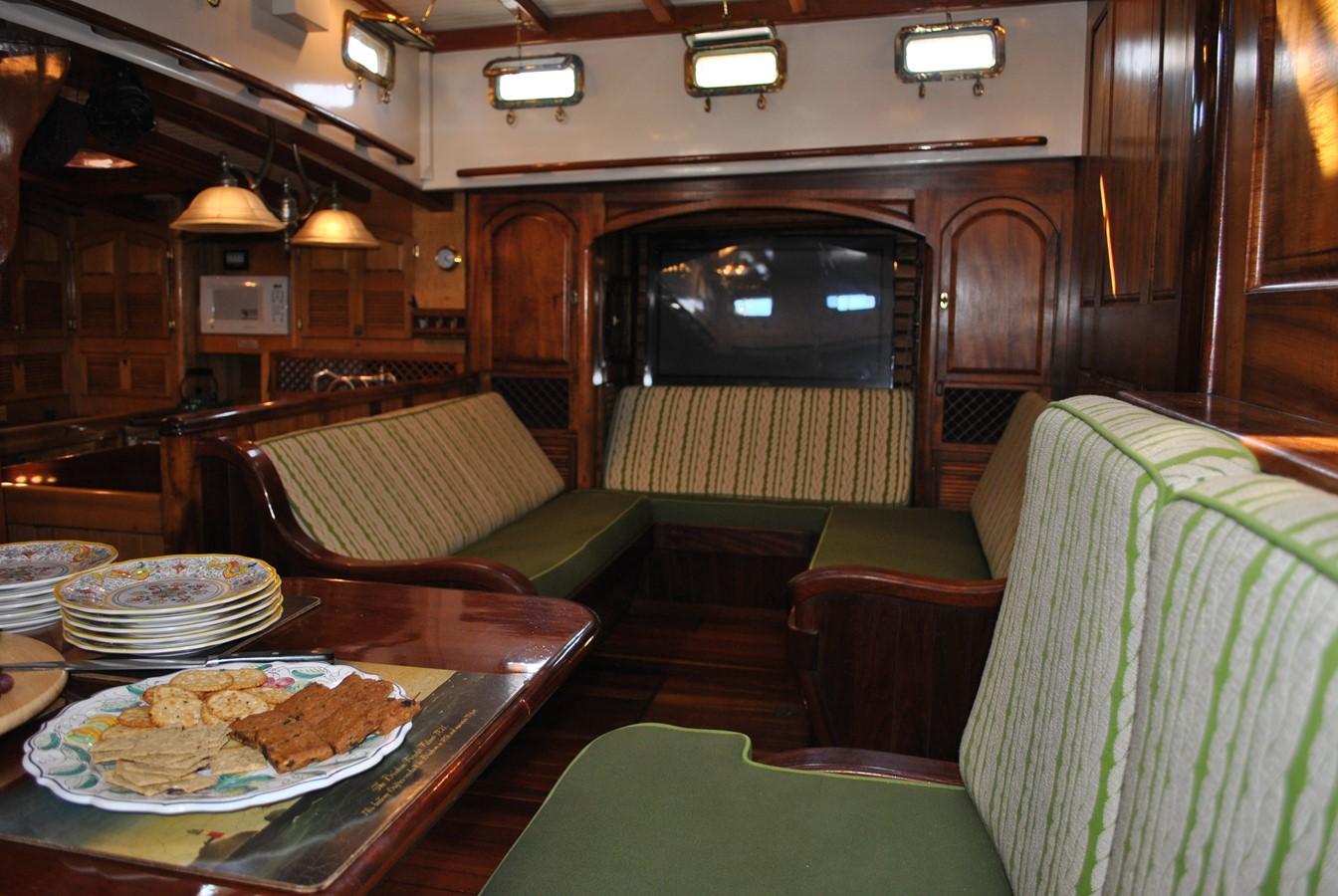 Media Entertainment Seating 1991 COVEY ISLAND BOAT WORKS  Cruising Sailboat 1522884