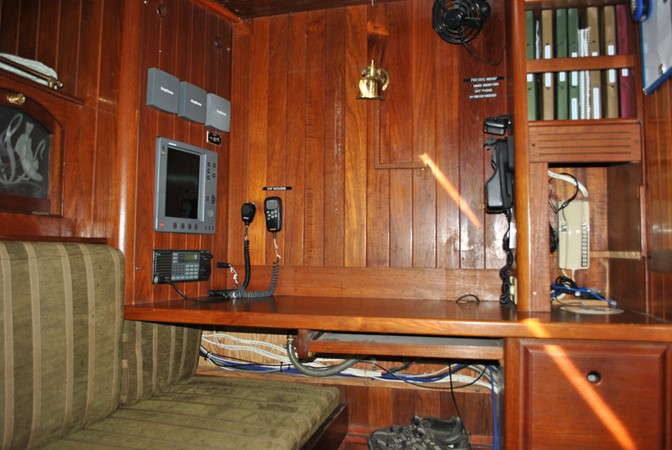 Captain's Desk 1991 COVEY ISLAND BOAT WORKS  Cruising Sailboat 1522896