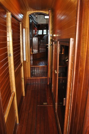 Passageway to Owner's Suite 1991 COVEY ISLAND BOAT WORKS  Cruising Sailboat 1522901