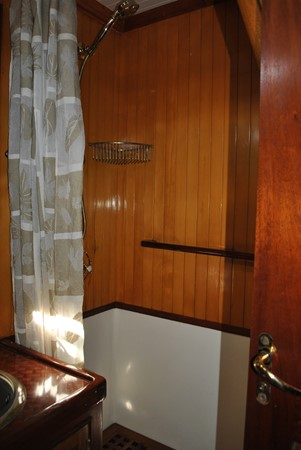 Owner's Shower 1991 COVEY ISLAND BOAT WORKS  Cruising Sailboat 1522908