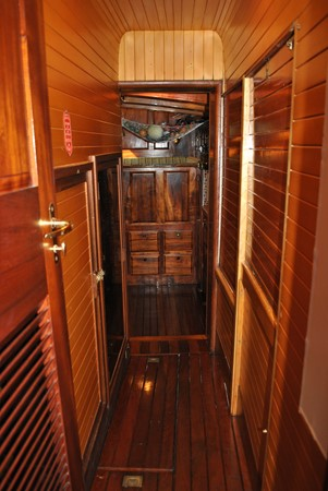 Owner's Passageway 1991 COVEY ISLAND BOAT WORKS  Cruising Sailboat 1522909