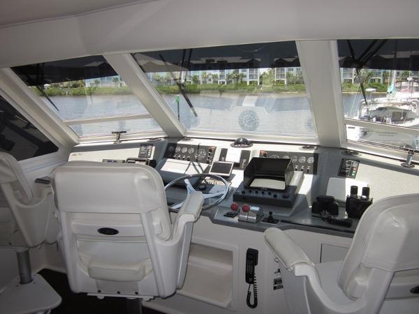 Enclosed Bridge 2000 VIKING  60 Cockpit Sport Yacht  1701033