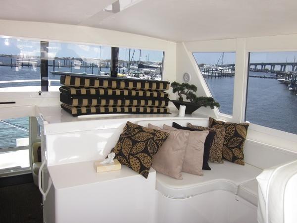 Enclosed Bridge 2000 VIKING  60 Cockpit Sport Yacht  1701035