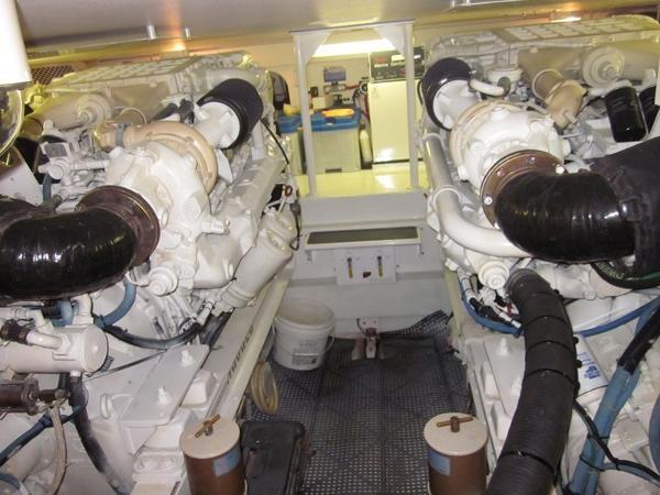 Engine Room 2000 VIKING  60 Cockpit Sport Yacht  1701050