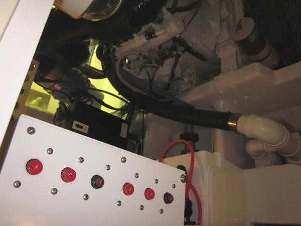Engine Room 2000 VIKING  60 Cockpit Sport Yacht  1701052