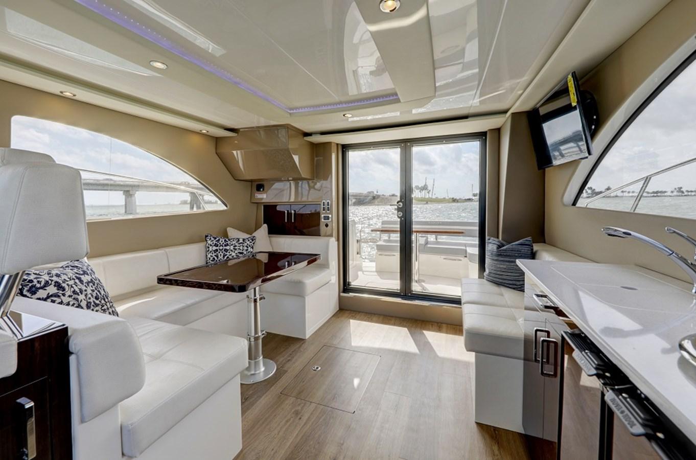 B44A5757_58_59_60_61 2020 CARVER C40 Command Bridge Motor Yacht 2825088