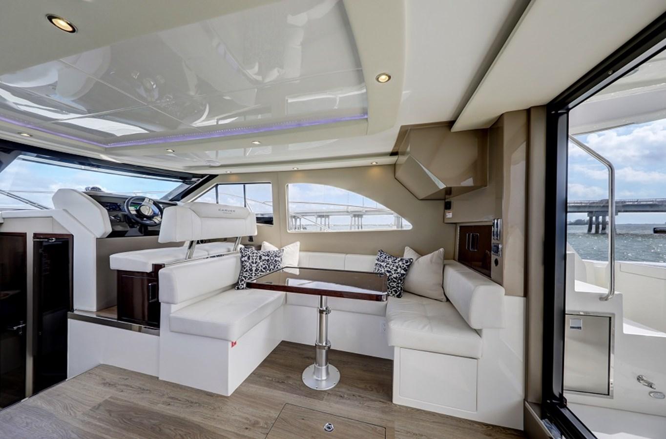 B44A5802_3_4_5_6 2020 CARVER C40 Command Bridge Motor Yacht 2825095