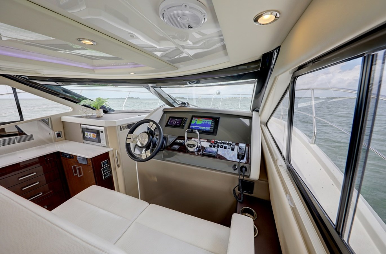 B44A5822_3_4_5_6 2020 CARVER C40 Command Bridge Motor Yacht 2825097