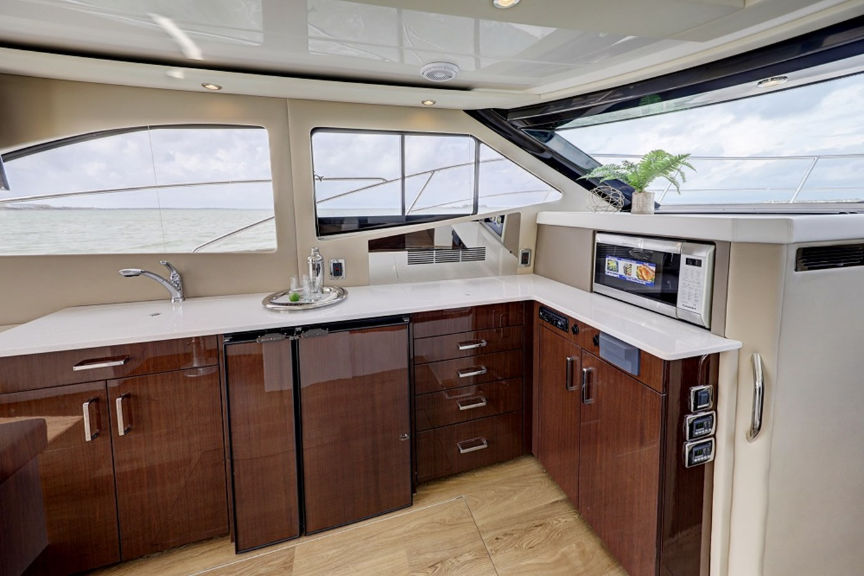 B44A5827_28_29_30_31 2020 CARVER C40 Command Bridge Motor Yacht 2825098