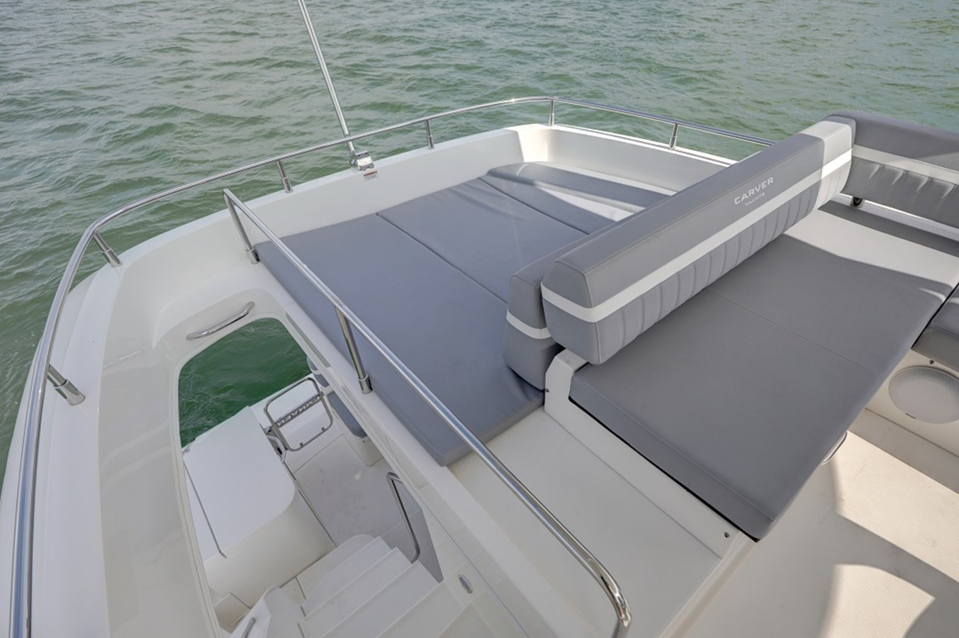 B44A5612_3_4_5_6 2020 CARVER C40 Command Bridge Motor Yacht 2825120