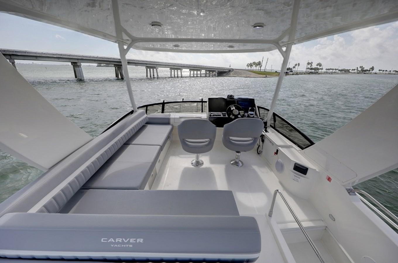 B44A5632_3_4_5_6 2020 CARVER C40 Command Bridge Motor Yacht 2825122