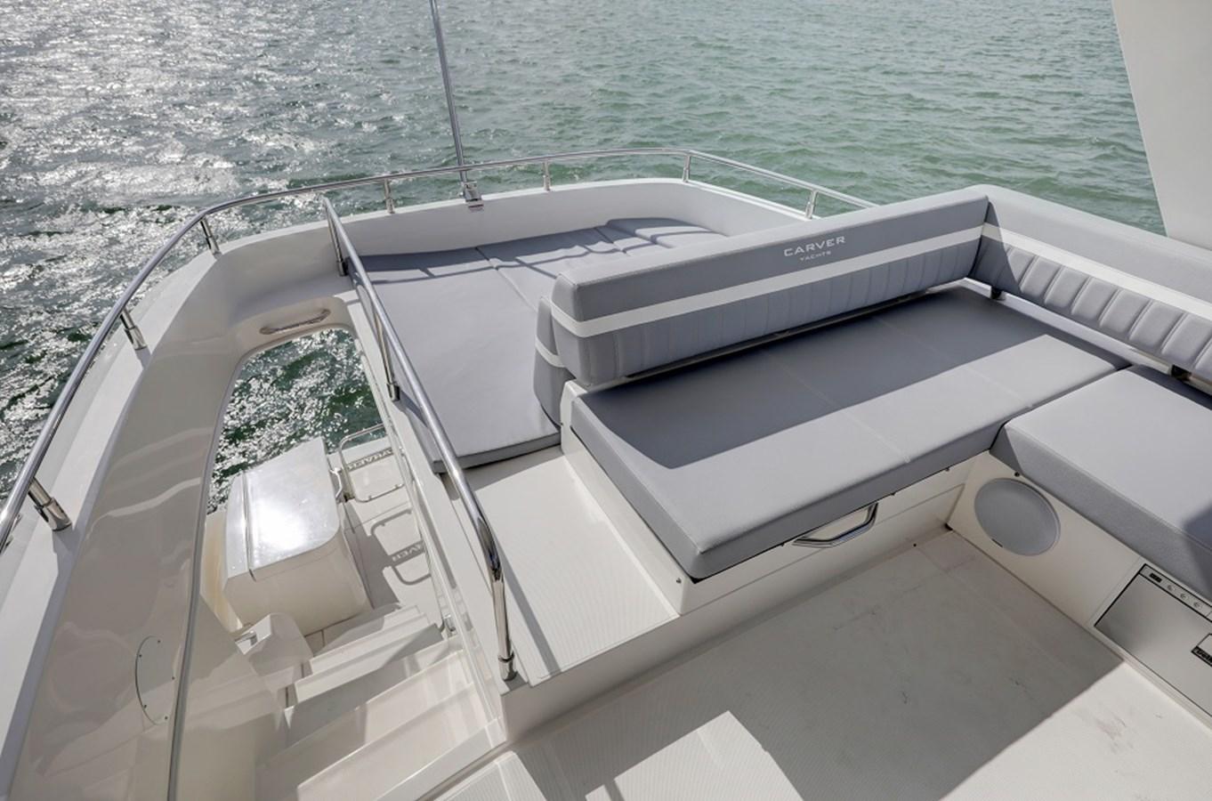 B44A5732_3_4_5_6 2020 CARVER C40 Command Bridge Motor Yacht 2825124