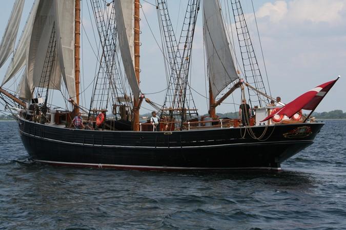 1942 CUSTOM BUILT Three Masted Topsail Schooner Tallship 1522011