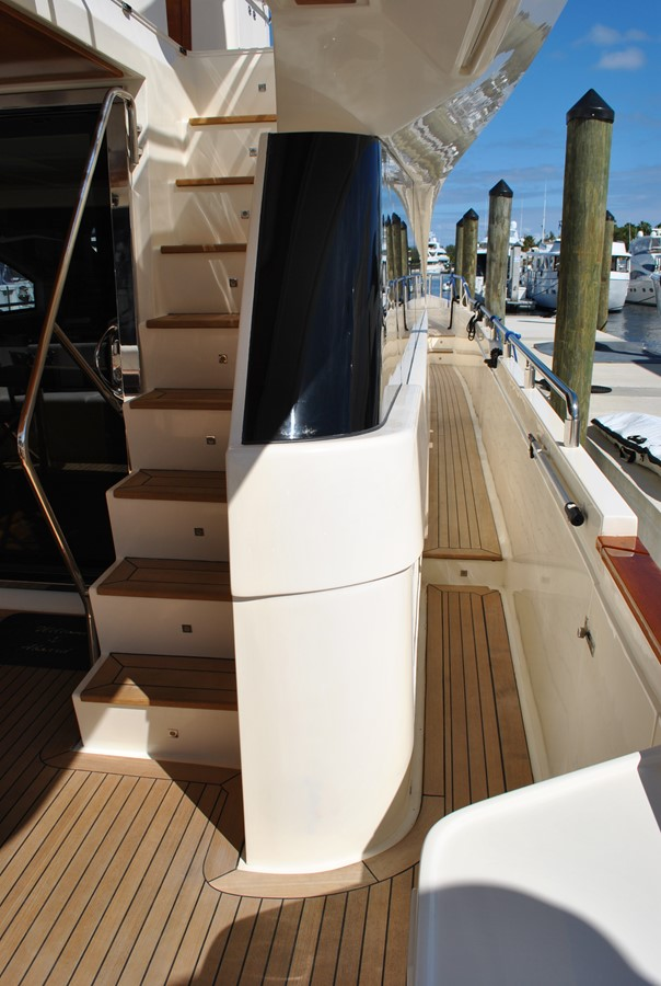 Starboard Side Deck 2008 AICON YACHTS  Motor Yacht 1435125