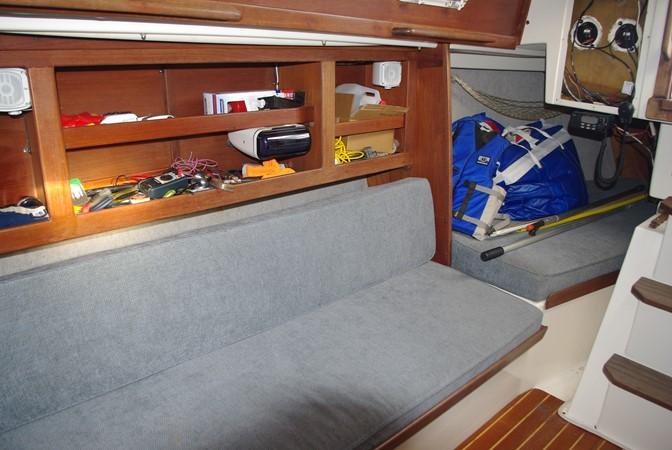 Starboard and quarter berth 1984 TARTAN YACHTS  Aft Cockpit 1454963