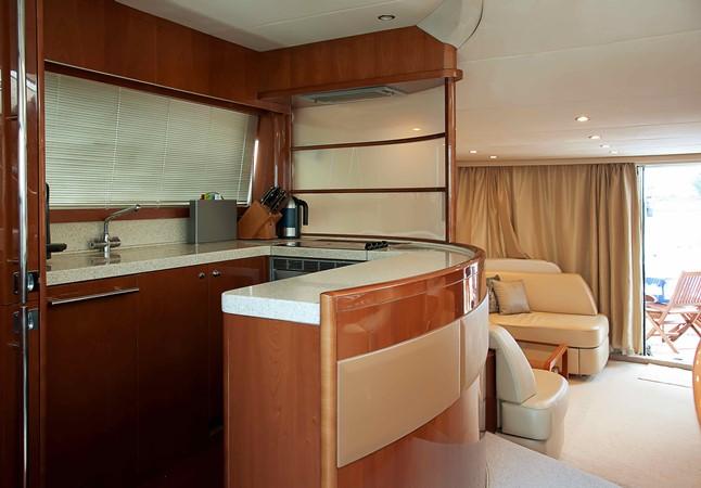 2007 PRINCESS YACHTS 67 Flybridge Motor Yacht 1483640